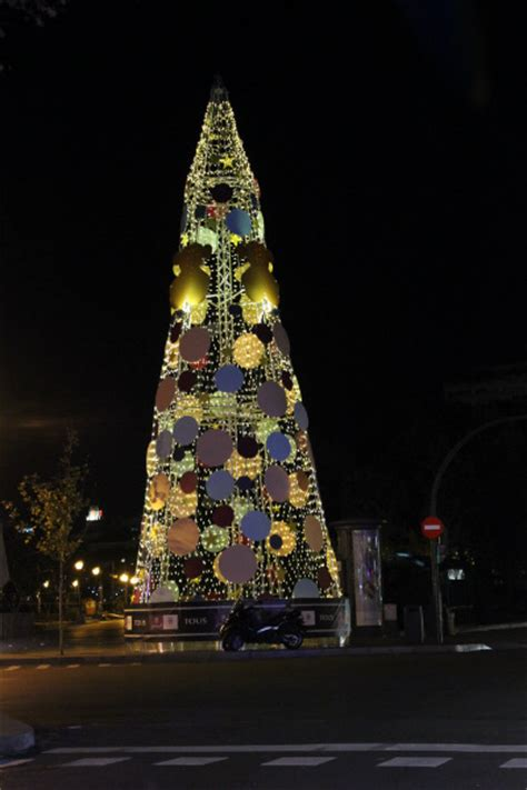 luces de navidad a pie en coche o en navib 250 s