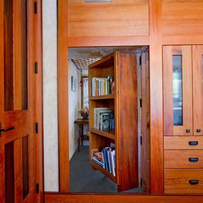 libreria sole roma libreria divisoria con porta nascosta in legno colle