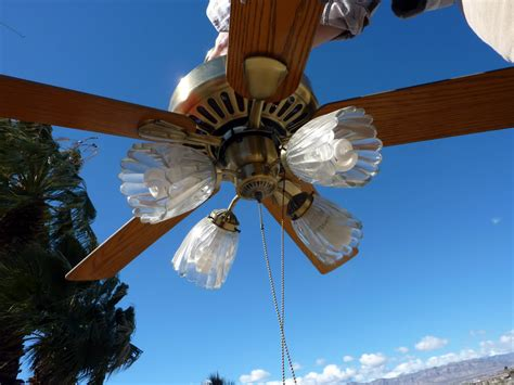 Which Way Does The Ceiling Fan Go In Winter by Which Direction Should Ceiling Fan Blades Go In Summer