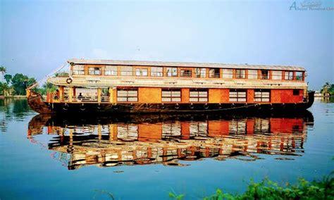 upper deck houseboat 8 bedroom deluxe houseboat with upper deck alleppey