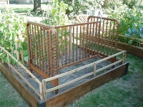 Uses For Baby Cribs by Uses For Baby Cribs 24 Pics