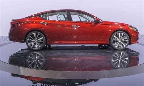 nissan altima coupe 2017 4 door 2018 new york auto show luxury performance and more