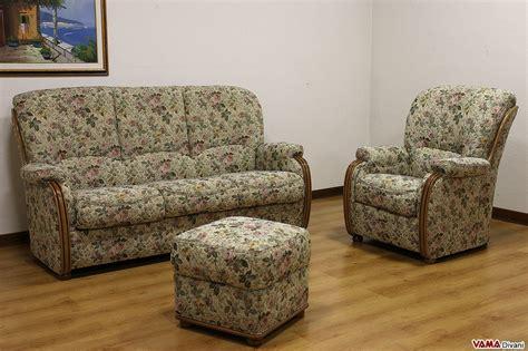 divani a fiori divano classico a fiori idee per il design della casa