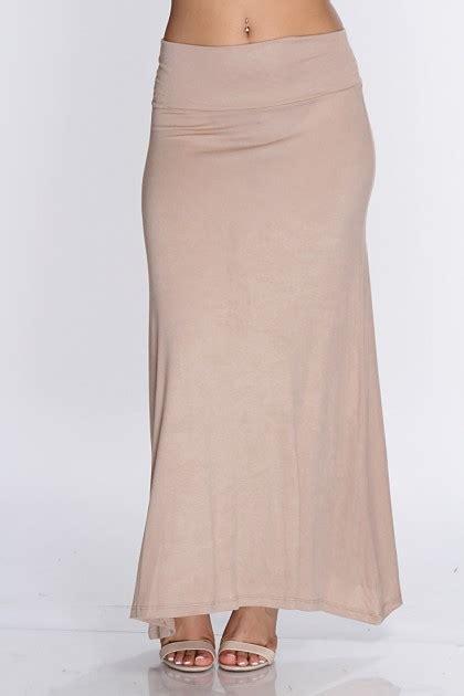 beige skirt dressed up