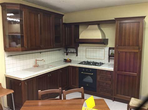 cucine in offerta cucina classica berloni lirica in offerta cucine a