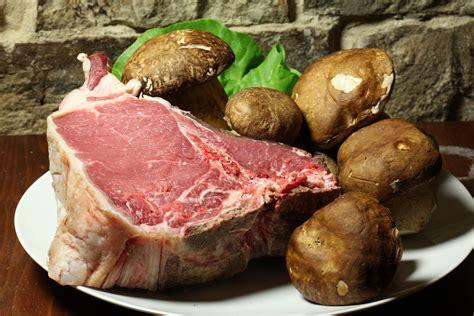 cucinare bistecca la bistecca fiorentina 7 regole per braciarla