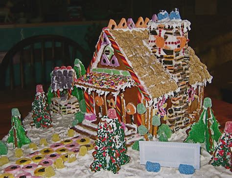 simple gingerbread house designs 38 simple inspiring gingerbread house ideas snappy pixels