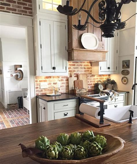 Best 100 Farmhouse Kitchen With Brick Backsplash Ideas Photos Houzz   best 25 brick backsplash white cabinets ideas on
