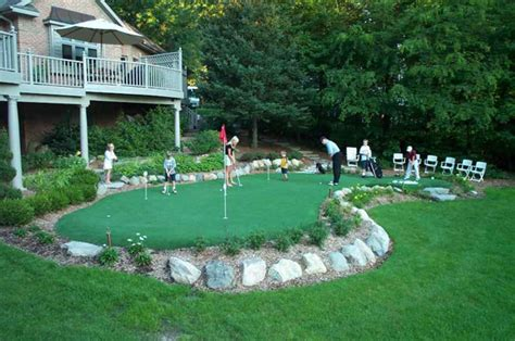 golf backyard landscaping ideas backyard golf course izvipi com