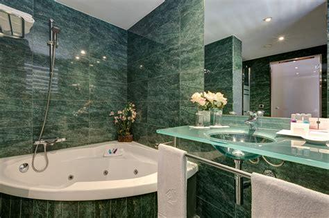 imagenes de hoteles minimalistas ba 241 os elegantes con jacuzzi dikidu com
