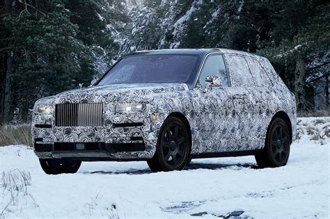 roll royce cullinan rolls royce cullinan suv rear seat viewing gallery