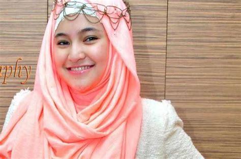 tutorial hijab dengan aksesoris kalung 10 hijab ala marshanda tutorial pashmina by anita scarf