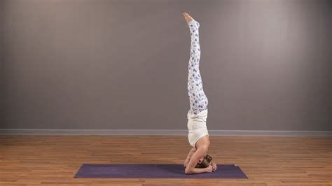 video tutorial yoga flip your perspective headstand tutorial