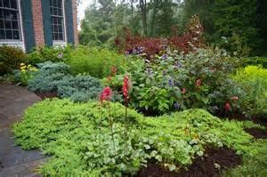 Foundation planting gardening landscaping pinterest
