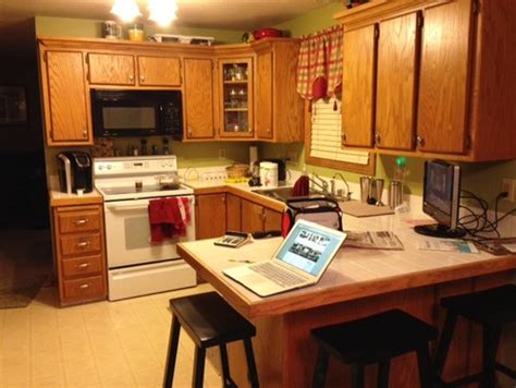 selecting kitchen cabinets need help selecting kitchen cabinets gel stain color