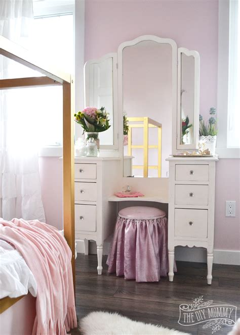white gold bedroom a pink white gold shabby chic glam girls bedroom