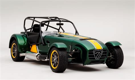 looks like a car caterham seven team lotus special