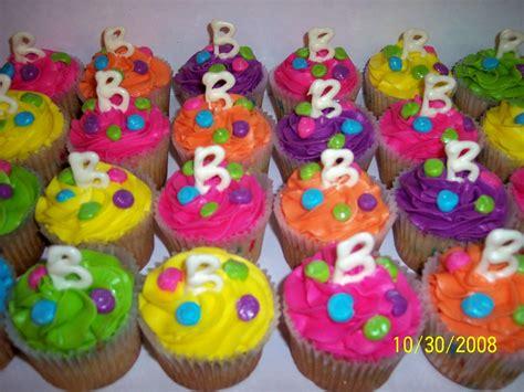 pin neon pink circle cake 195 162 226 172 226 mini cakes petit fours cake on