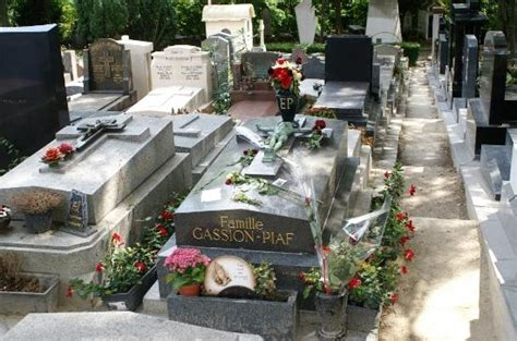 claude berri tombe tombe d edith piaf picture of pere lachaise cemetery