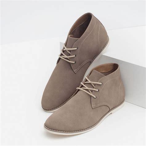 y yo en zapatillas 17 mejores ideas sobre zapatos cafes hombre en botas cafes hombre vestido de