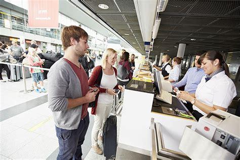 wann spätestens am flughafen sein check in am dortmund airport