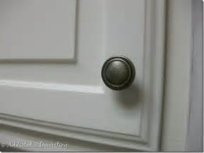 door knobs kitchen cabinets baltic to boardwalk kitchen knob tutorial