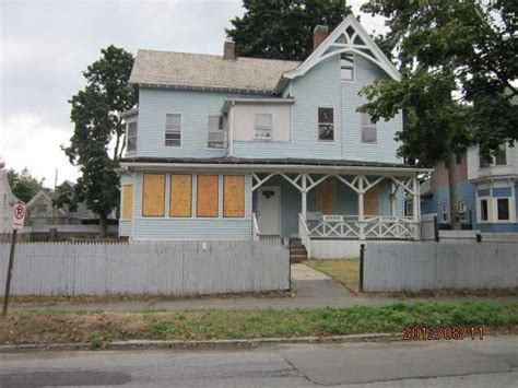 houses for sale holyoke ma 391 pleasant st holyoke massachusetts 01040 foreclosed home information