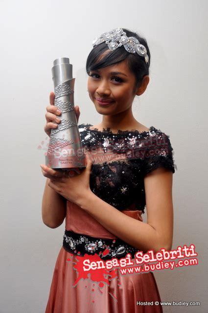 anugerah film terbaik oscar 2010 liyana jasmay menang anugerah pelakon wanita terbaik