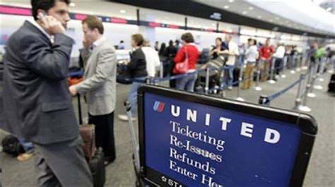 united extra baggage fee airlines charge additional fee if baggage fees not paid