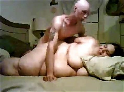 Girl fucks gay