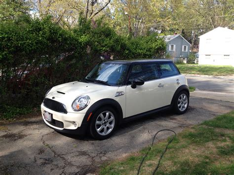 2010 Mini Cooper S Reviews by Review 2010 Mini Cooper S Hardtop 171 Road Reality
