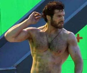 Mark Henry Bench Henry Cavill Workout Transforming Superman Man Of Steel