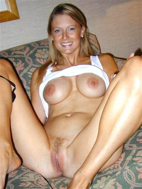 Naked Amateur Milf 67bigtittylover92