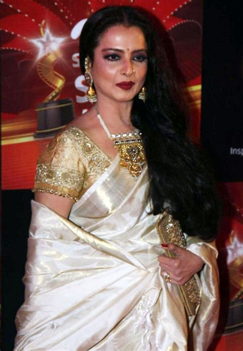 rekha biography in hindi rekha alchetron the free social encyclopedia