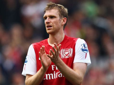 arsenal captain arsenal captain considering leaving the club