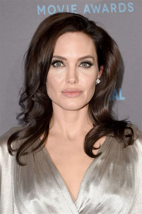 angelina jolie angelina jolie 2015 critics choice movie awards in los