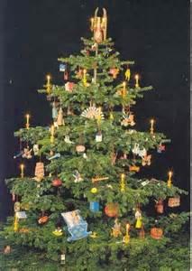 warum stellen wir uns ein weihnachtsbaum inswohnzimmer