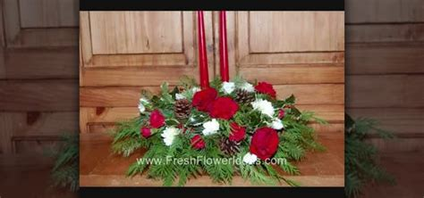 how to make a christmas centerpiece with evergreens