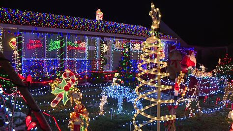 speedway family s amazing christmas lights display