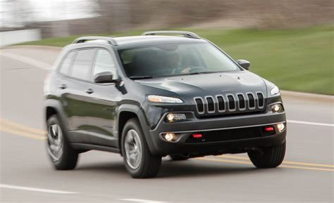 cars jeep 2016 2016 jeep cherokee review car and driver