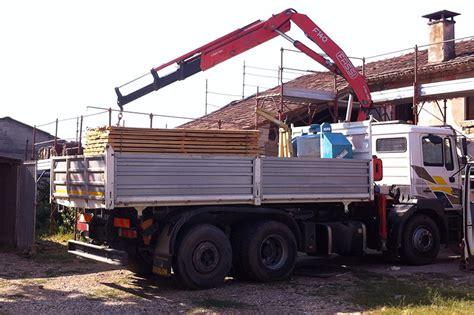 portata camion camion con gru 3 assi portata 150 quintali impresa edile
