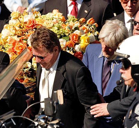 farrah fawcett funeral 3 updates