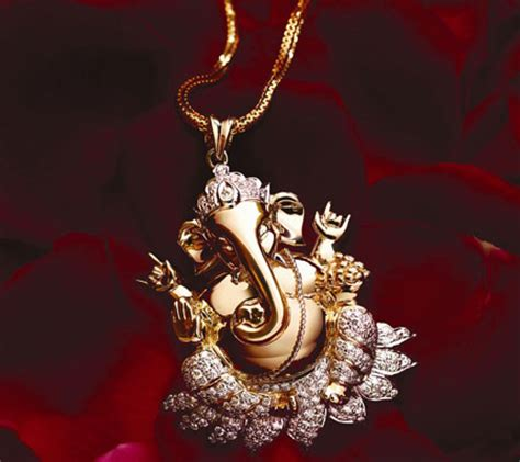 why wear ganesh pendant and its presence in
