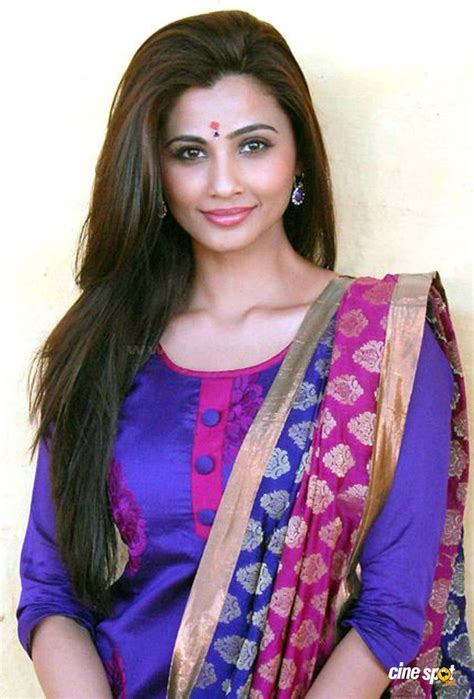 daisy shah wallpapers bollywood collection xcitefunnet
