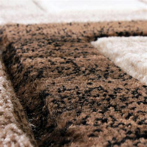 teppiche braun beige edler designer teppich konturenschnitt kariert in braun