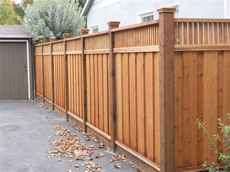 Privacy Fence Plans by Best 25 Wooden Fence Ideas On Wood Fences