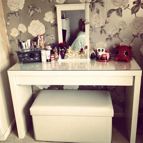 dressing room ottoman 85 best dressing room ideas images on pinterest makeup