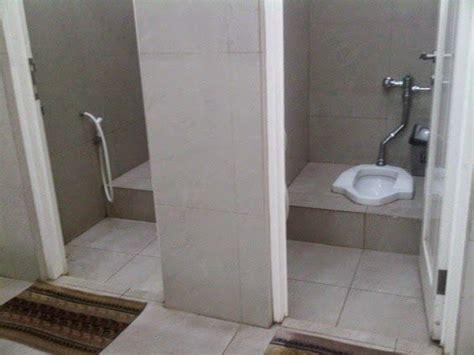 desain kamar mandi toilet jongkok desain kamar mandi kloset jongkok wc jongkok yyy