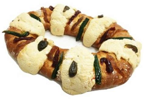 Decorated Homes For Christmas by Rosca De Reyes Is A Mexican Tradition