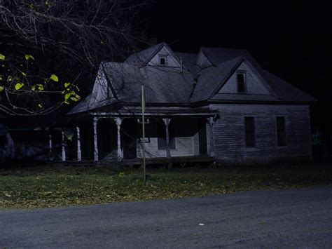 scary haunted house scary pictures creepy haunted house kansas